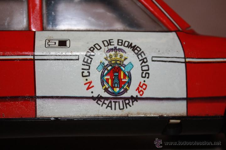 Juguetes antiguos Román: ROMAN MADE IN SPAIN COCHE BOMBEROS SEAT -132-L-1800 FUNCIONA A TRACCION CHAPA - Foto 8 - 40095448
