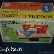 Juguetes antiguos Román: MAQUINA DE COSER ELECTRICA - JUGUETES ROMAN - AÑOS 70. Lote 41327117