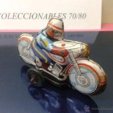 Juguetes antiguos Román: MOTO DE CHAPA LITOGRAFIADA POLICIA A FRICCION ROMAN AÑOS 70 80. Lote 52385451