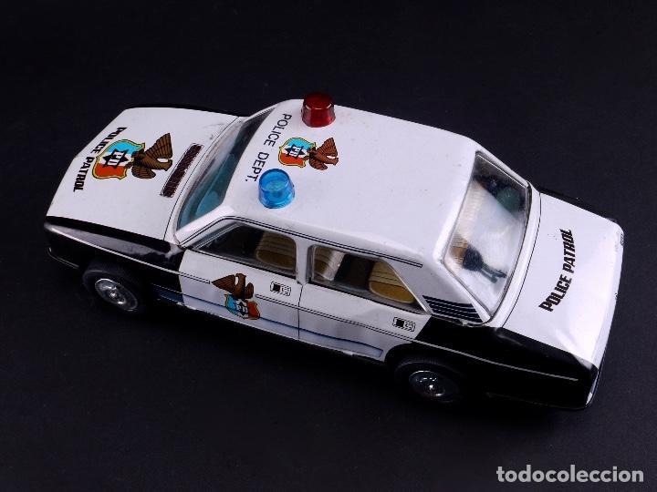 COCHE METALICO POLICE PATROL SALVA OBSTACULOS, SERIE 2400/1 (Juguetes - Marcas Clásicas - Román)