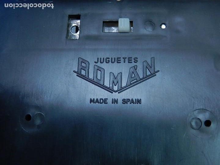 Juguetes antiguos Román: Seat 131 L, Cuerpo de Bomberos Jefatura. N 35. Distintivo de bomberos de Barcelona. Román. España. - Foto 26 - 120751831