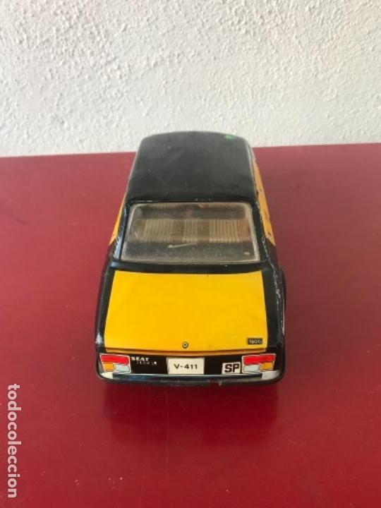 Juguetes antiguos Román: Seat. 132 L. Taxi de Barcelona. De la casa Román - Foto 4 - 154107278
