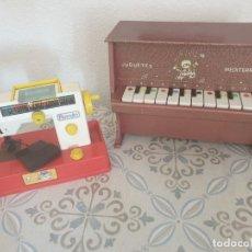 Juguetes antiguos Román: LOTE JUGUETES CLÁSICOS MÁQUINA DE COSER Y PIANO AÑOS 70. Lote 155465134