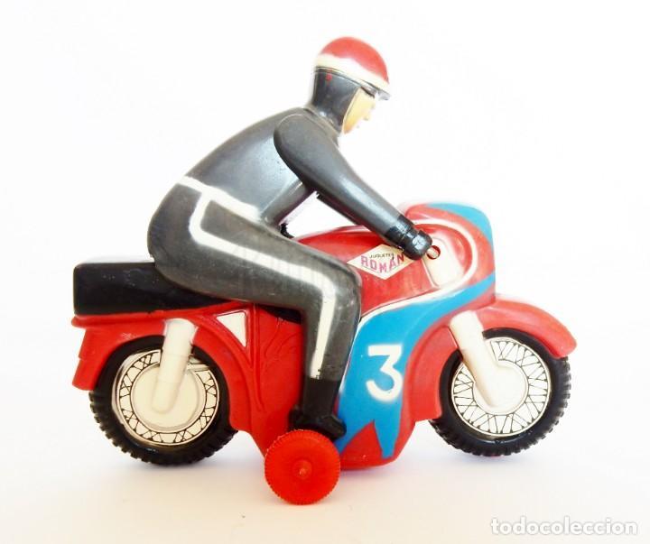 Juguetes antiguos Román: MOTO DE CARRERAS Nº 3 MOTOCICLETA A CUERDA DE ROMÁN. AÑOS 60 FUNCIONANDO - Foto 4 - 155842630
