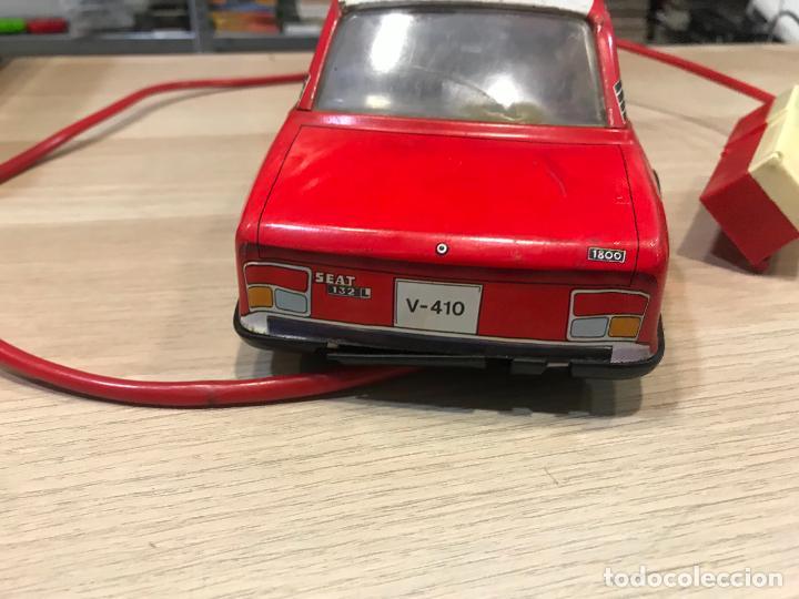 Juguetes antiguos Román: Coche Citroën GS de la Jefatura de Bomberos. De Juguetes Román. Dirigido por cable. - Foto 8 - 158124158