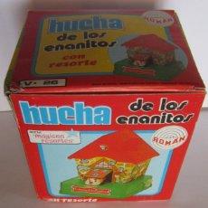 Juguetes antiguos Román: HUCHA DE LOS ENANITOS, DE ROMAN, EN CAJA. CC. Lote 169475696