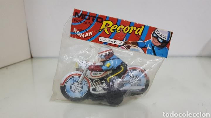 Juguetes antiguos Román: Moto fricción policía récord Román referencia V100 de 10x 7 cm - Foto 2 - 182604685