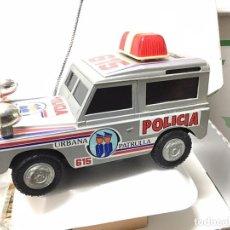 Juguetes antiguos Román: LAND ROVER POLICIA PATRULLA URBANA JEEP TODO TERRENO ROMAN NO RICO PAYA JYESA . Lote 195597967