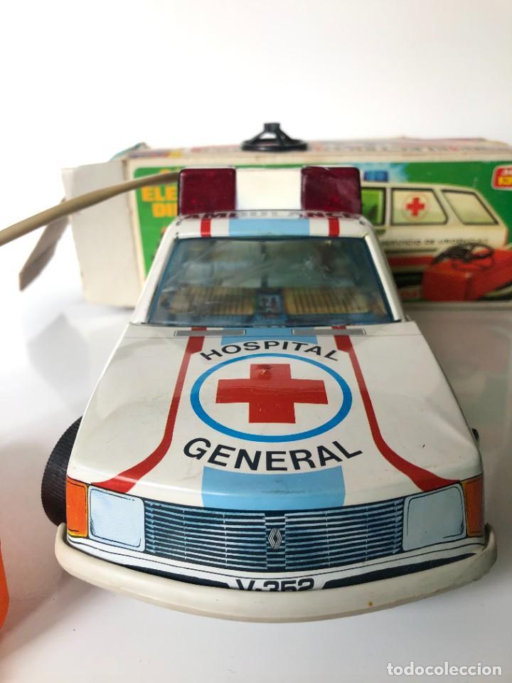 Juguetes antiguos Román: Renault 18 Roman, ambulancia - Foto 3 - 266036823