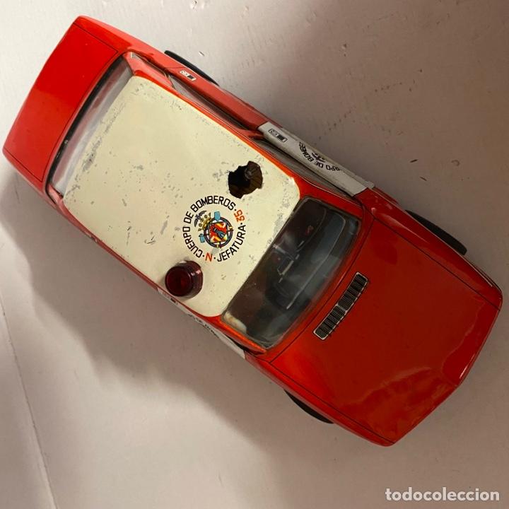 Juguetes antiguos Román: Antiguo coche salva obstáculos juguetes Román cuerpo de bomberos Jefatura 35 va a pilas - Foto 4 - 278395528