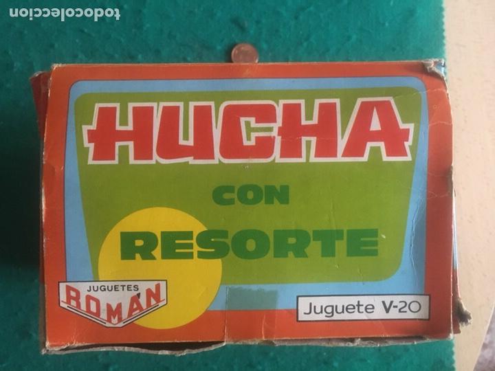 Juguetes antiguos Román: Hucha de hojalata litografiada a cuerda ROMAN - Foto 3 - 282990123