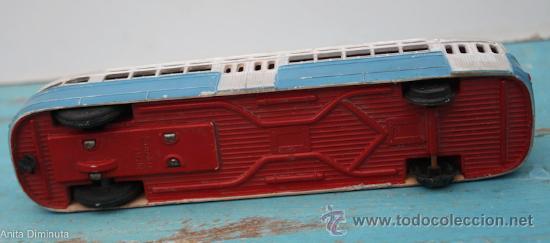 Juguetes antiguos Sanchís: ANTIGUO AUTOBUS DE LA MARCA SANCHIS A FRICCION - AUTOCAR EN PLASTICO - 19,5 CM DE LARGO - CON SEÑA - Foto 4 - 33687879