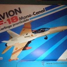 Juguetes antiguos Sanchís: AVION F-18 MONO CANAL CARLINGA PRACTICABLE DE SANCHIS - AÑOS 70. Lote 35605012