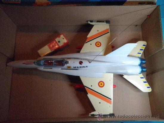 Juguetes antiguos Sanchís: AVION F - 18 MONO CANAL CARLINGA PRACTICABLE DE SANCHIS- NUEVO - AÑOS 70 - Foto 2 - 35605012