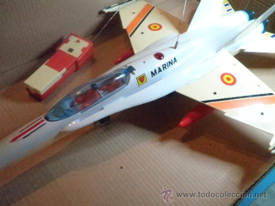 Juguetes antiguos Sanchís: AVION F - 18 MONO CANAL CARLINGA PRACTICABLE DE SANCHIS- NUEVO - AÑOS 70 - Foto 4 - 35605012