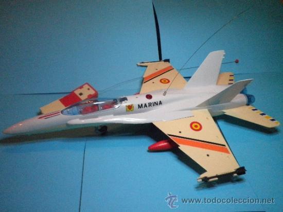Juguetes antiguos Sanchís: AVION F - 18 MONO CANAL CARLINGA PRACTICABLE DE SANCHIS- NUEVO - AÑOS 70 - Foto 5 - 35605012
