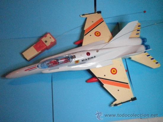 Juguetes antiguos Sanchís: AVION F - 18 MONO CANAL CARLINGA PRACTICABLE DE SANCHIS- NUEVO - AÑOS 70 - Foto 3 - 35605012