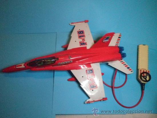 Juguetes antiguos Sanchís: AVION F-18 CABLE MANDO DIRIGIDOS DE SANCHIS - Foto 3 - 35605139