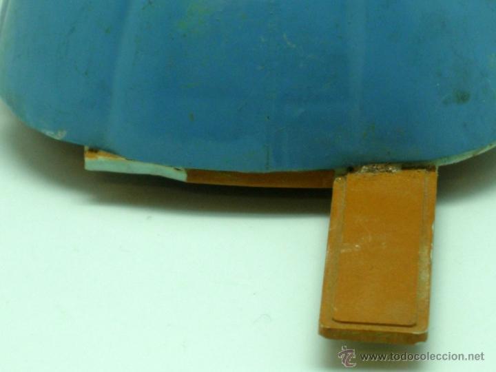 Juguetes antiguos Sanchís: Vaca esquiadora Sanchís a fricción funciona plástico rígido años 60 - Foto 4 - 40588066