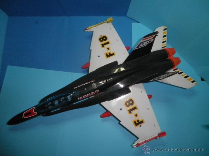 Juguetes antiguos Sanchís: AVION DE FRICCION F-18 DE SANCHIS - Foto 5 - 40649264