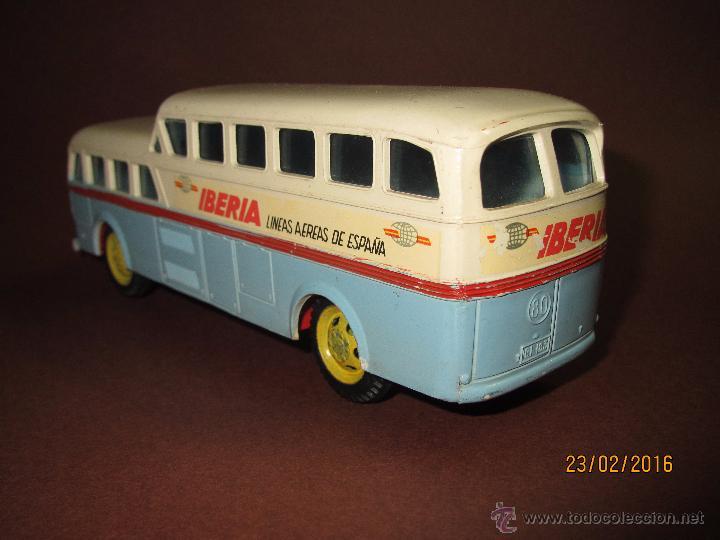 Juguetes antiguos Sanchís: Antiguo Autobus PEGASO Z-403 Monocasco IBERIA 1950 a Fricción de Juguetes SANCHIS IBI - Año 1960-70s - Foto 4 - 55224396