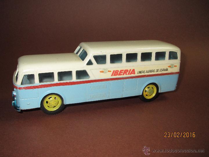 Juguetes antiguos Sanchís: Antiguo Autobus PEGASO Z-403 Monocasco IBERIA 1950 a Fricción de Juguetes SANCHIS IBI - Año 1960-70s - Foto 8 - 55224396