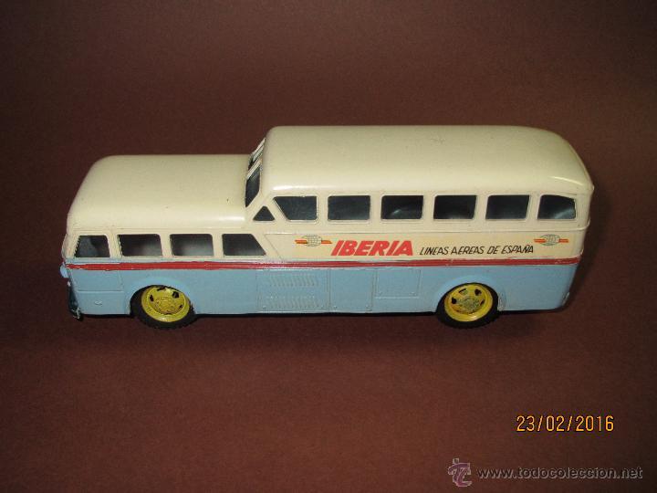 Juguetes antiguos Sanchís: Antiguo Autobus PEGASO Z-403 Monocasco IBERIA 1950 a Fricción de Juguetes SANCHIS IBI - Año 1960-70s - Foto 9 - 55224396