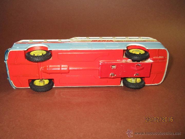 Juguetes antiguos Sanchís: Antiguo Autobus PEGASO Z-403 Monocasco IBERIA 1950 a Fricción de Juguetes SANCHIS IBI - Año 1960-70s - Foto 10 - 55224396