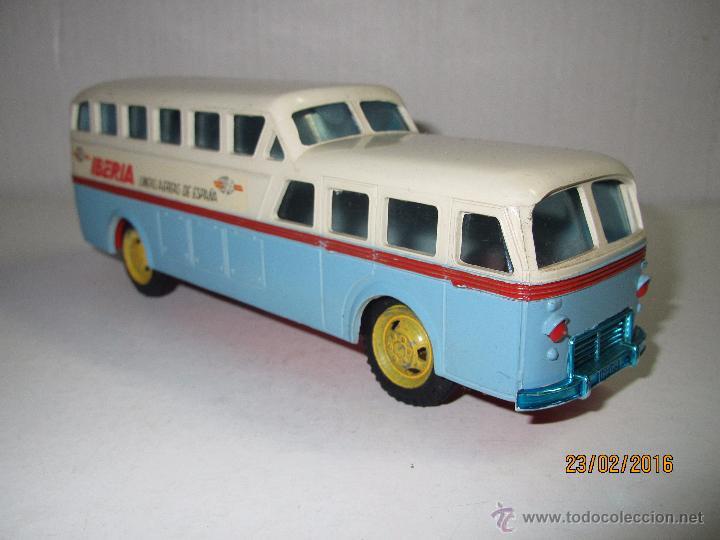 Juguetes antiguos Sanchís: Antiguo Autobus PEGASO Z-403 Monocasco IBERIA 1950 a Fricción de Juguetes SANCHIS IBI - Año 1960-70s - Foto 11 - 55224396