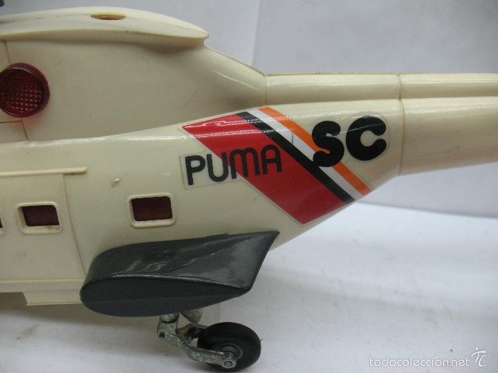 Juguetes antiguos Sanchís: Sanchis - Helicóptero de plástico SC PUMA SERVICIO COMERCIAL con mecanismo a pilas - Foto 5 - 57848441