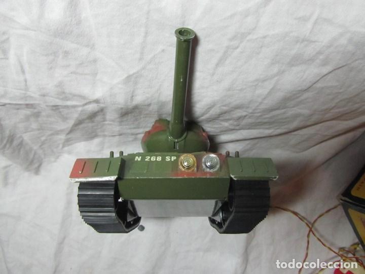 Juguetes antiguos Sanchís: Carro de combate Lanza misiles Sanchis, funcionando, en caja original - Foto 8 - 67762833