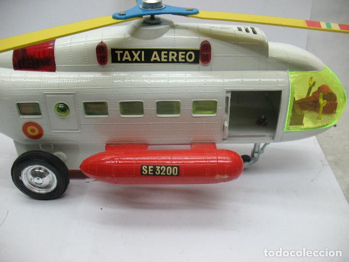 Juguetes antiguos Sanchís: Sanchis Ref: 218 - Helicóptero Frelon Taxi Aereo de plástico con mecanismo a fricción - Foto 4 - 71906771