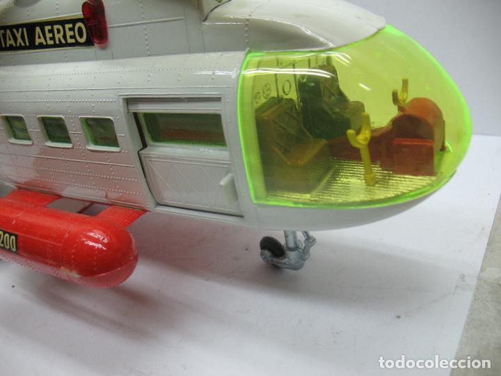 Juguetes antiguos Sanchís: Sanchis Ref: 218 - Helicóptero Frelon Taxi Aereo de plástico con mecanismo a fricción - Foto 7 - 71906771