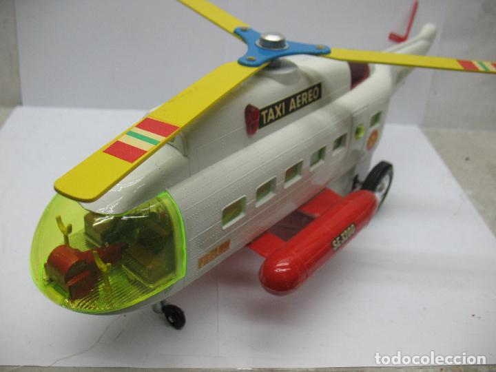 Juguetes antiguos Sanchís: Sanchis Ref: 218 - Helicóptero Frelon Taxi Aereo de plástico con mecanismo a fricción - Foto 8 - 71906771
