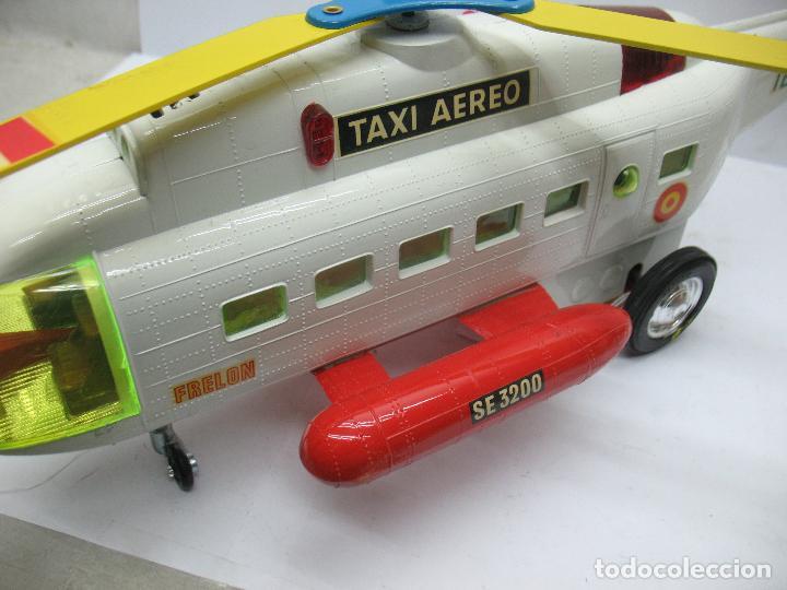 Juguetes antiguos Sanchís: Sanchis Ref: 218 - Helicóptero Frelon Taxi Aereo de plástico con mecanismo a fricción - Foto 9 - 71906771