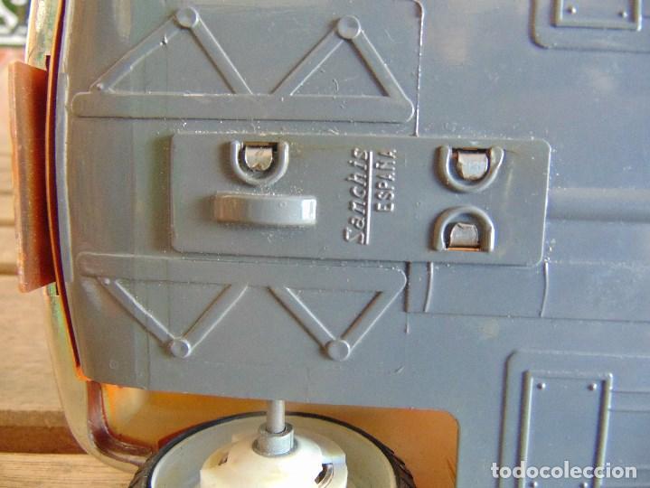 Juguetes antiguos Sanchís: COCHE MINI 1275 GT NARANJA DE SANCHIS A FRICCION MIDE 25.5 CM - Foto 16 - 72700347