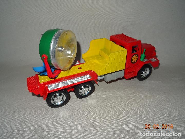 Juguetes antiguos Sanchís: Antiguo Camión de Transmisiones con Reflector - Gran Tamaño Ref. 220 de Juguetes SANCHÍS - Foto 6 - 113058755