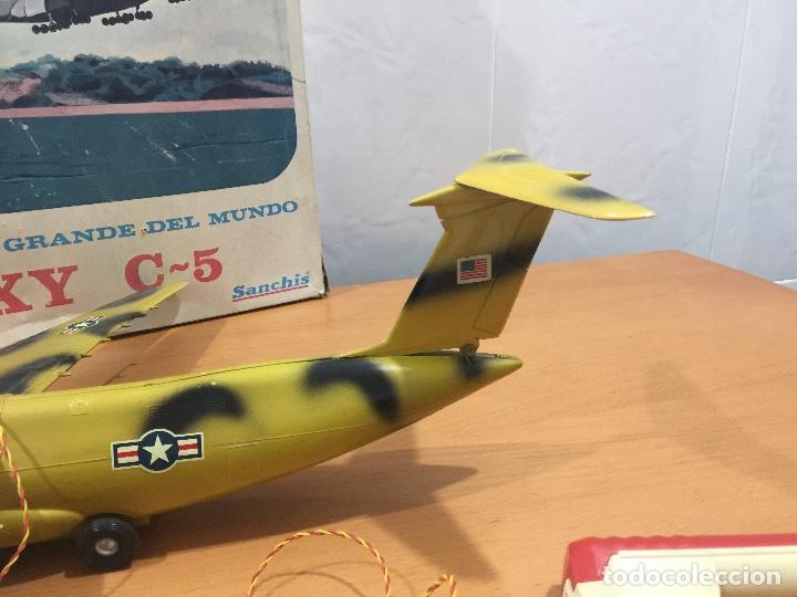 Juguetes antiguos Sanchís: SANCHIS AVION GALAXY C-5 ELECTRICO MILITAR ULTRA RARO - Foto 4 - 115536579