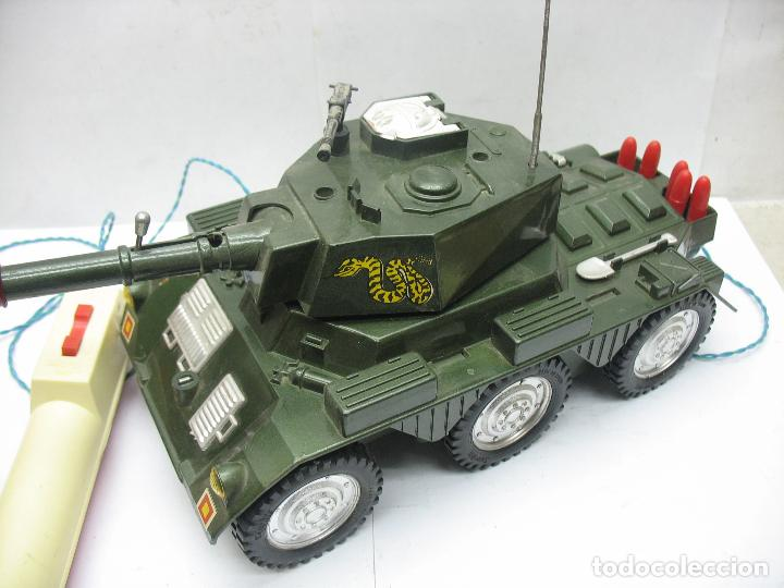 Juguetes antiguos Sanchís: Sanchis - Tanque Carro Armado de plástico con mecanismo a pilas y con mando - Foto 2 - 120294947