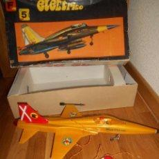 Juguetes antiguos Sanchís: AVION CAZA SUPERSONICO F-5 DE SANCHIS EN CAJA. Lote 151903814