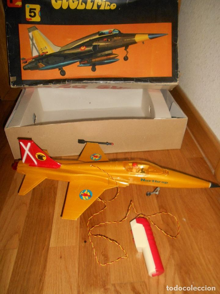 Juguetes antiguos Sanchís: AVION CAZA SUPERSONICO F-5 DE SANCHIS EN CAJA - Foto 2 - 151903814