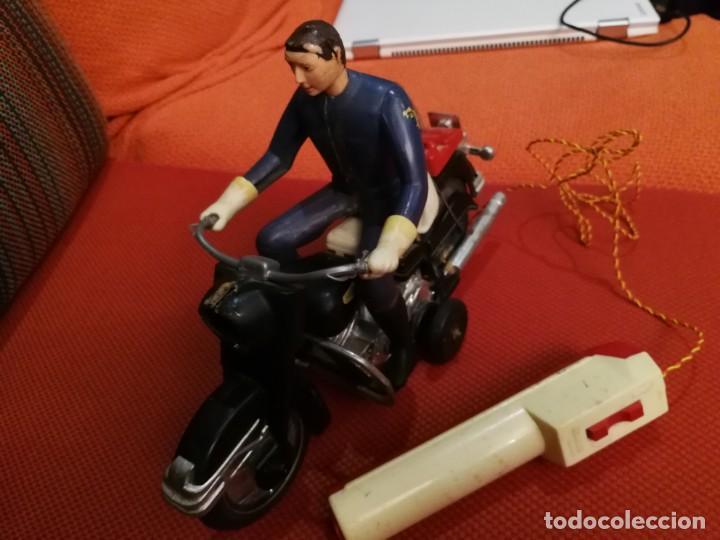 Juguetes antiguos Sanchís: ANTIGUA MOTO CON MOTORISTA HARLEY DAVIDSON Y MANDO VER FOTOS - Foto 5 - 152059626