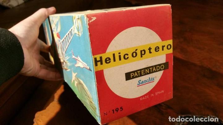 Juguetes antiguos Sanchís: HELICOPTERO SANCHIS REFERENCIA 195. A FRICCION FUNCIONANDO AÑOS 60 - Foto 13 - 188588633