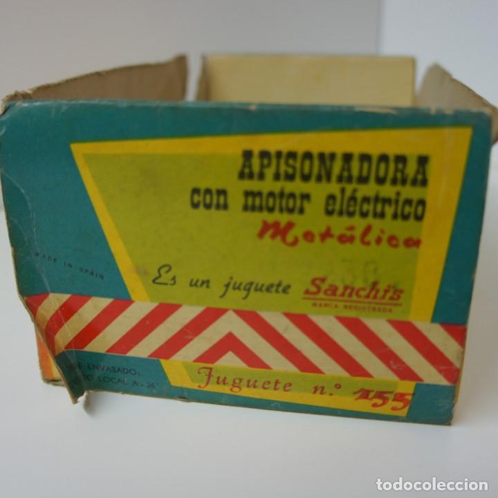 Juguetes antiguos Sanchís: APISONADORA CON MOTOR ELÉCTRICO METÁLICA DE SANCHIS . CON CAJA ORIGINAL . - Foto 2 - 188634891