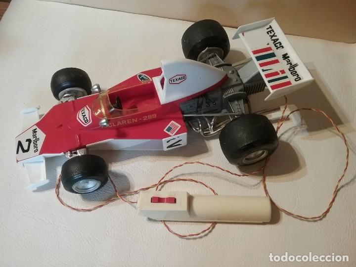 Juguetes antiguos Sanchís: Antiguo coche radiocontrol SANCHIS FORMULA 1 McLaren 299 FUNCIONANDO. - Foto 2 - 205358405