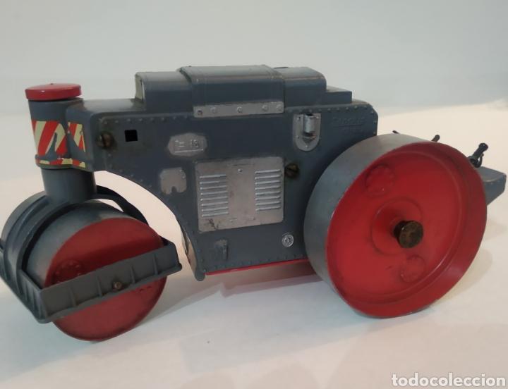 Juguetes antiguos Sanchís: Apisonadora de juguete años 60.Fabricado por Sanchis - Foto 2 - 226927020