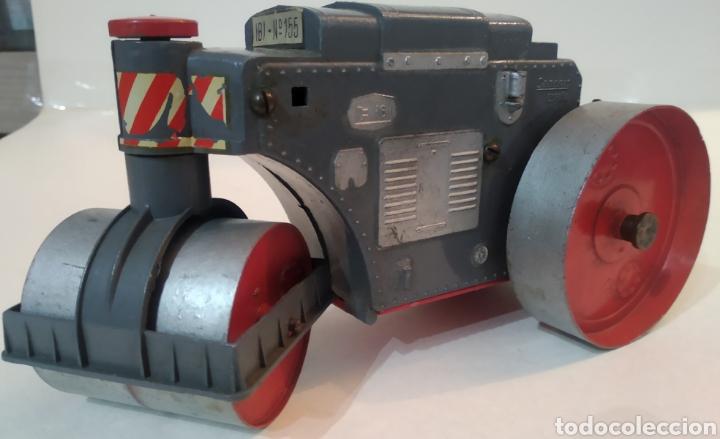 Juguetes antiguos Sanchís: Apisonadora de juguete años 60.Fabricado por Sanchis - Foto 7 - 226927020