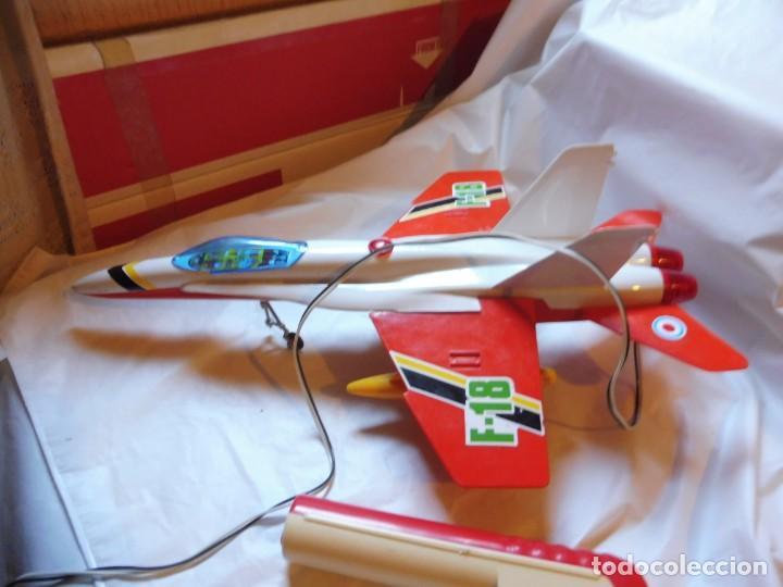 Juguetes antiguos Sanchís: Sanchís avión cabledirigido F-18 sin caja - Foto 2 - 229198030