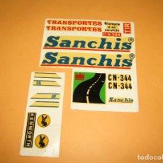 Juguetes antiguos Sanchís: ANTIGUO JUEGO COMPLETO DE CALCAS AL AGUA DEL CAMIÓN TRAILER KENWORTH DE JUGUETES SANCHIS. Lote 249150775