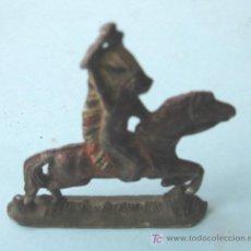 Juguetes Antiguos: INDIO A CABALLO DE PLOMO. Lote 23348036